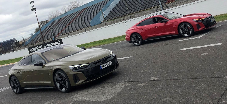 Autos eléctricos Audi ETRON en autódromo